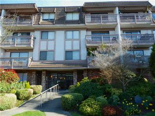 Main Photo: 301 236 W 2ND Street in North Vancouver: Lower Lonsdale Condo for sale : MLS®# V997585