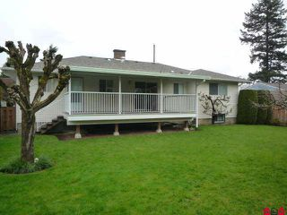 Photo 2: 46542 Pine Avenue in Chilliwack: House for sale : MLS®# H1101747