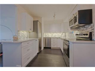 Photo 4: 2310 VINE Street in Vancouver: Kitsilano Townhouse for sale (Vancouver West)  : MLS®# V1045523