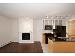 "Photo 3: 907 1225 RICHARDS Street in Vancouver: Downtown VW Condo for sale in ""Eden"" (Vancouver West)  : MLS®# V1086819"