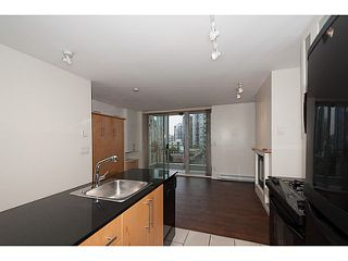 "Photo 2: 907 1225 RICHARDS Street in Vancouver: Downtown VW Condo for sale in ""Eden"" (Vancouver West)  : MLS®# V1086819"