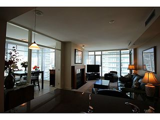 "Photo 5: 1002 1680 BAYSHORE Drive in Vancouver: Coal Harbour Condo for sale in ""BAYSHORE TOWER"" (Vancouver West)  : MLS®# V1107422"