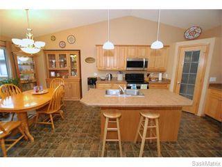 Photo 2: 29 WAGMAN Bay: Balgonie Single Family Dwelling for sale (Regina NE)  : MLS®# 527894