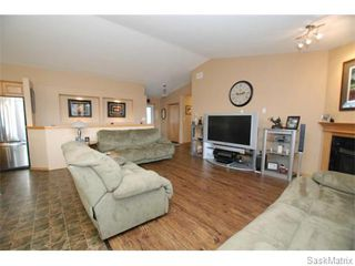 Photo 7: 29 WAGMAN Bay: Balgonie Single Family Dwelling for sale (Regina NE)  : MLS®# 527894