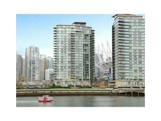 "Photo 1: 2002 918 COOPERAGE Way in Vancouver: Yaletown Condo for sale in ""MARINER"" (Vancouver West)  : MLS®# V1116237"