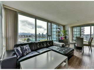"Photo 3: 2002 918 COOPERAGE Way in Vancouver: Yaletown Condo for sale in ""MARINER"" (Vancouver West)  : MLS®# V1116237"