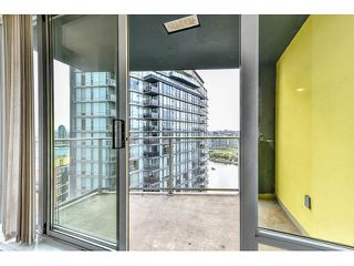 "Photo 15: 2002 918 COOPERAGE Way in Vancouver: Yaletown Condo for sale in ""MARINER"" (Vancouver West)  : MLS®# V1116237"