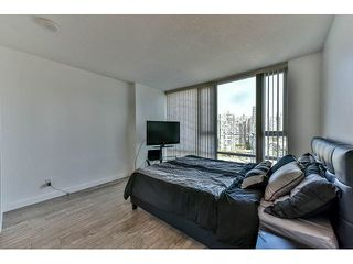 "Photo 11: 2002 918 COOPERAGE Way in Vancouver: Yaletown Condo for sale in ""MARINER"" (Vancouver West)  : MLS®# V1116237"