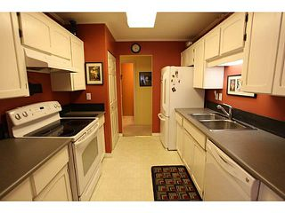 "Photo 13: 102 1354 WINTER Street: White Rock Condo for sale in ""Winter Estates"" (South Surrey White Rock)  : MLS®# F1441606"