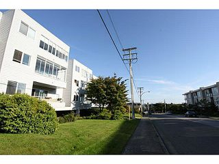 "Photo 2: 102 1354 WINTER Street: White Rock Condo for sale in ""Winter Estates"" (South Surrey White Rock)  : MLS®# F1441606"