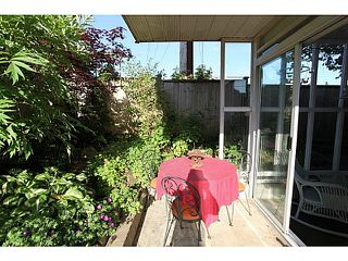 "Photo 5: 102 1354 WINTER Street: White Rock Condo for sale in ""Winter Estates"" (South Surrey White Rock)  : MLS®# F1441606"