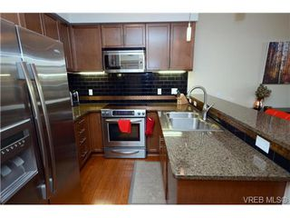 Photo 7: 103 1035 Sutlej St in VICTORIA: Vi Fairfield West Condo Apartment for sale (Victoria)  : MLS®# 713889