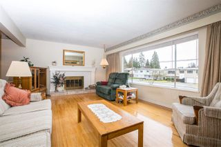 Photo 3: 1403 GROVER Avenue in Coquitlam: Central Coquitlam House for sale : MLS®# R2040902
