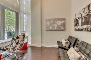 "Photo 2: 1285 SEYMOUR Street in Vancouver: Downtown VW Townhouse for sale in ""THE ELAN"" (Vancouver West)  : MLS®# R2077325"