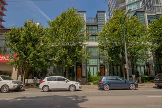 "Photo 1: 1285 SEYMOUR Street in Vancouver: Downtown VW Townhouse for sale in ""THE ELAN"" (Vancouver West)  : MLS®# R2077325"