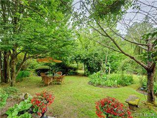 Photo 1: 5223 Santa Clara Avenue in VICTORIA: SE Cordova Bay Single Family Detached for sale (Saanich East)  : MLS®# 366465