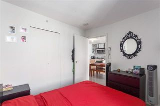 "Photo 7: 2207 33 SMITHE Street in Vancouver: Yaletown Condo for sale in ""COOPERS LOOKOUT"" (Vancouver West)  : MLS®# R2106492"