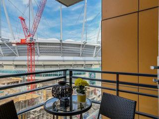 "Photo 10: 2207 33 SMITHE Street in Vancouver: Yaletown Condo for sale in ""COOPERS LOOKOUT"" (Vancouver West)  : MLS®# R2106492"