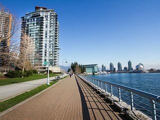 "Photo 19: 2207 33 SMITHE Street in Vancouver: Yaletown Condo for sale in ""COOPERS LOOKOUT"" (Vancouver West)  : MLS®# R2106492"