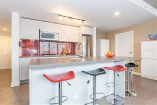 "Photo 3: 1203 108 W CORDOVA Street in Vancouver: Downtown VW Condo for sale in ""Woodward W32"" (Vancouver West)  : MLS®# R2111852"