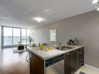 "Photo 2: 1408 9981 WHALLEY Boulevard in Surrey: Whalley Condo for sale in ""Park Place II"" (North Surrey)  : MLS®# R2129602"