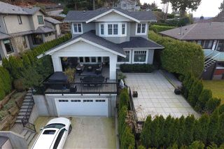 """Photo 1: 939 INGLEWOOD Avenue in West Vancouver: Sentinel Hill House for sale in """"Sentinel Hill"""" : MLS®# R2143743"""