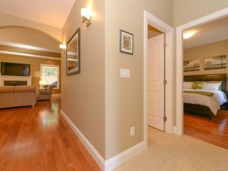 Photo 11: 309 FORESTER Avenue in COMOX: CV Comox (Town of) House for sale (Comox Valley)  : MLS®# 752431