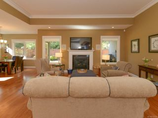 Photo 12: 309 FORESTER Avenue in COMOX: CV Comox (Town of) House for sale (Comox Valley)  : MLS®# 752431