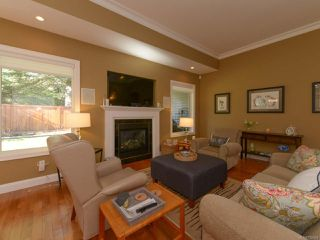 Photo 2: 309 FORESTER Avenue in COMOX: CV Comox (Town of) House for sale (Comox Valley)  : MLS®# 752431