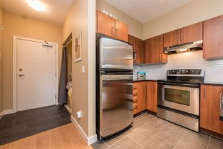"Photo 3: 114 1633 MACKAY Avenue in North Vancouver: Pemberton Heights Condo for sale in ""Touchstone"" : MLS®# R2147673"