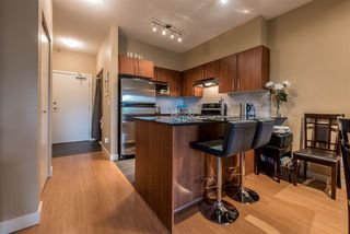 "Photo 4: 114 1633 MACKAY Avenue in North Vancouver: Pemberton Heights Condo for sale in ""Touchstone"" : MLS®# R2147673"