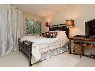 "Photo 12: 105 1467 MARTIN Street: White Rock Condo for sale in ""Searidge Court"" (South Surrey White Rock)  : MLS®# R2154678"