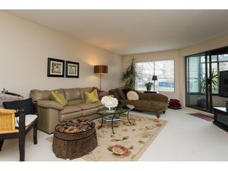 "Photo 5: 105 1467 MARTIN Street: White Rock Condo for sale in ""Searidge Court"" (South Surrey White Rock)  : MLS®# R2154678"