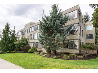 "Photo 2: 105 1467 MARTIN Street: White Rock Condo for sale in ""Searidge Court"" (South Surrey White Rock)  : MLS®# R2154678"