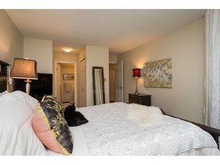 "Photo 13: 105 1467 MARTIN Street: White Rock Condo for sale in ""Searidge Court"" (South Surrey White Rock)  : MLS®# R2154678"