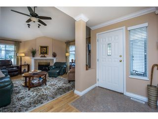 "Photo 4: 24 19649 53 Avenue in Langley: Langley City Townhouse for sale in ""Huntsfield Green"" : MLS®# R2155558"