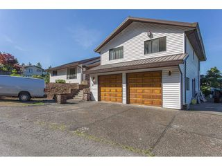 "Photo 1: 2717 LUCERN Crescent in Abbotsford: Abbotsford East House for sale in ""GLEN MOUNTAIN"" : MLS®# R2174836"