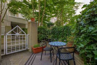 "Photo 19: 21 780 W 15TH Avenue in Vancouver: Fairview VW Townhouse for sale in ""Sixteen Willows"" (Vancouver West)  : MLS®# R2190640"