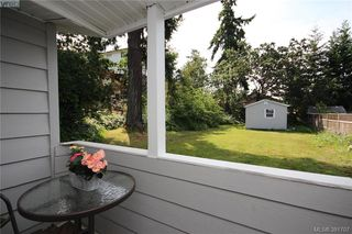 Photo 2: 631 Hoffman Ave in VICTORIA: La Mill Hill House for sale (Langford)  : MLS®# 766785