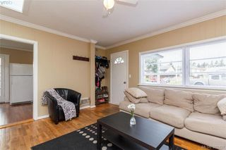 Photo 4: 631 Hoffman Ave in VICTORIA: La Mill Hill Single Family Detached for sale (Langford)  : MLS®# 766785