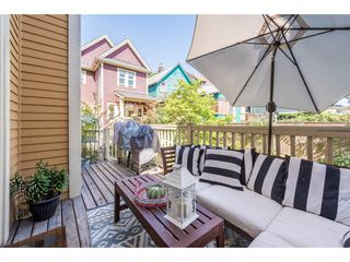 Photo 2: 818 GORE Avenue in Vancouver: Mount Pleasant VE House for sale (Vancouver East)  : MLS®# R2223820