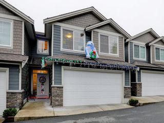 "Photo 1: 2 11384 BURNETT Street in Maple Ridge: East Central Townhouse for sale in ""Maple Creek Living"" : MLS®# R2228713"