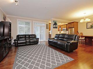 """Photo 3: 2 11384 BURNETT Street in Maple Ridge: East Central Townhouse for sale in """"Maple Creek Living"""" : MLS®# R2228713"""
