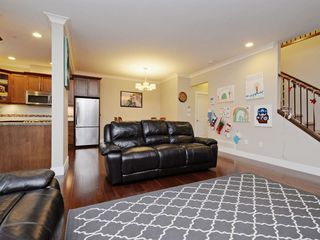"""Photo 4: 2 11384 BURNETT Street in Maple Ridge: East Central Townhouse for sale in """"Maple Creek Living"""" : MLS®# R2228713"""