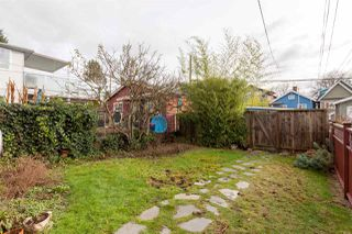 """Photo 18: 2018 CHARLES Street in Vancouver: Grandview VE House for sale in """"COMMERCIAL DRIVE"""" (Vancouver East)  : MLS®# R2235267"""