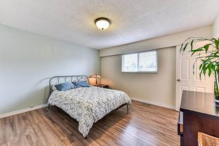 """Photo 16: 11843 COWLEY Drive in Delta: Sunshine Hills Woods House for sale in """"Sunshine Woods"""" (N. Delta)  : MLS®# R2244516"""