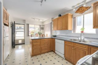 Photo 8: 5958 LANCASTER Street in Vancouver: Killarney VE House for sale (Vancouver East)  : MLS®# R2276338