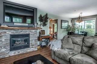 """Photo 2: 51 19060 FORD Road in Pitt Meadows: Central Meadows Townhouse for sale in """"REGENCY COURT"""" : MLS®# R2279740"""