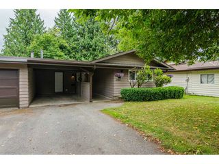 "Photo 2: 2742 SANDON Drive in Abbotsford: Abbotsford East House 1/2 Duplex for sale in ""McMillan"" : MLS®# R2285213"