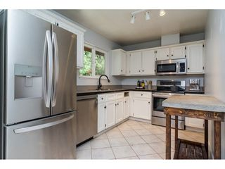 "Photo 3: 2742 SANDON Drive in Abbotsford: Abbotsford East House 1/2 Duplex for sale in ""McMillan"" : MLS®# R2285213"